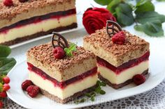 Serowo-malinowa delicja z cappuccino Unique Desserts, Delicious Desserts, Dessert Recipes, Yummy Food, Cake Recept, Chocolate Raspberry Cake, Chocolate Cake, Salty Cake, Food Cakes