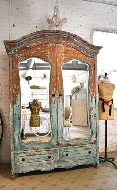 stile chippy armadio a due ante con specchio color verde-donnacreativa.net