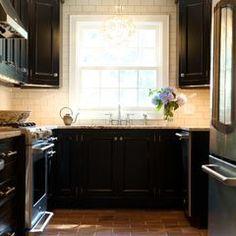 black and cream kitchen!
