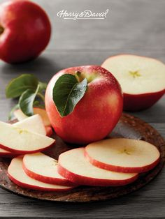 Our premium apples are grown in carefully tended orchards and are picked at the peak of perfection. These apples are crisp, sweet and make a perfect snack. Grab some as a teacher appreciation gift or just a treat for yourself! Apple Recipes, Raw Food Recipes, Fruit Of The Month, Fruit Delivery, Gourmet Apples, Apple Gifts, Gourmet Cheese, Fruit Gifts