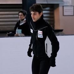 #brianjoubert#figureskating#amazing#france#pattinaggio#patinage#patineuse#patinoire#figureskater#iceskating#skating#magnifique#beautiful#sport#unique#hairstyle#gara#champion#babou#allez#top#brian#adorable#glace#ice#guyshair#joubert#poitevin#athlete#gorgeus