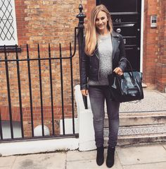 """110.2k Likes, 363 Comments - Anna Saccone (@annasaccone) on Instagram: """"Today's bump style 💕 Bag is from @webuydesigner 😍👜 Perfect for winter and the black patent is ideal…"""""""