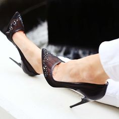 Up close with our black mesh and #swarovskicrystal embellished #Lorraine pumps. #SS15 #SpringSummer2015 #shoeporn #instafashion