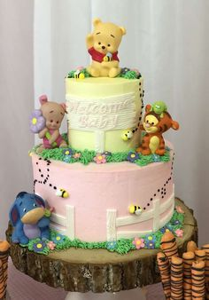 Loving the cake at this Winnie the Pooh Baby Shower! See more party ideas and sh… Winnie The Pooh Themes, Winnie The Pooh Cake, Winnie The Pooh Birthday, Pooh Baby, Fiesta Baby Shower, Baby Shower Fun, Baby Shower Parties, Baby Shower Cakes Neutral, Pooh Bear