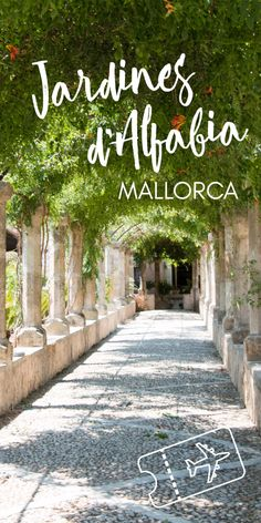 Located at the foot of the Tramuntana mountains, the Jardines d'Alfabia are an amazing tropical oasis on Mallorca - read how to get there!