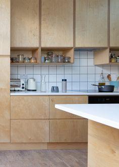Updated Kitchen, New Kitchen, Kitchen Dining, Diy Kitchen Cabinets, Kitchen Units, Plywood Kitchen, Kitchen Wood, Kitchen Installation, Kitchen Interior