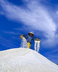 Salt field Nha Trang - Viet Nam by hoangnamphoto People Around The World, Around The Worlds, Good Morning Vietnam, The Things They Carried, Beautiful Vietnam, Vietnam Travel Guide, Misty Forest, Color Photography, Hotels And Resorts