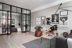 Квартира в сером со стеклянной перегородкой (52 кв. м) | Пуфик - блог о дизайне интерьера