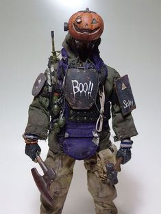 childhood toy This Japanese Artist Y. Nakajima Turns Childhood Toys Into Amazing Post-Apocalyptic Nightmares Design You Trust Post Apocalyptic Costume, Post Apocalyptic Art, Apocalyptic Fashion, Post Apocalyptic Clothing, Mad Max, Fallout, Character Art, Character Design, Arte Cyberpunk