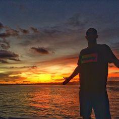 @ian_cosenza e as cores do sol do Oriente. #TimeRedley #CriaturasDoSol