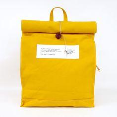 IT SHAKES HANDS 紙袋リュック UNITED BEES 公式オンラインストア