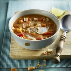 Zin in soep voor de lunch?Recept - Pindasoep met zoete aardappel - Boodschappenmagazine