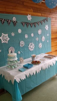 Frozen dessert table and display. I spent a few evenings making snowflak… Frozen dessert table and display. I spent Frozen Birthday Party, Frozen Theme Party, 4th Birthday Parties, Birthday Party Decorations, Frozen Party Backdrop, 5th Birthday, Birthday Ideas, Olaf Party, Frozen Party Table
