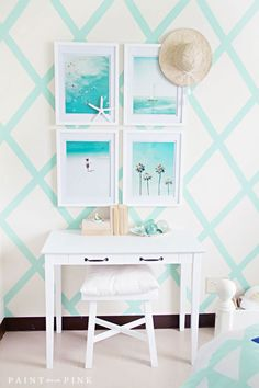 Summer decorating with Teal! Modern cool teal home decor ideas for decorating dining rooms and bedrooms with teal blue accessories. Beach Bedroom Girls, Beach Inspired Bedroom, Teen Girl Bedrooms, Teen Beach Room, Ocean Bedroom, Beach Room Decor, Beachy Room, Teal Home Decor, Beach Theme Rooms