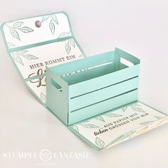 Stampin 'Up! - Christmas Explosion Box - Bella's Stamp World - Explosion box with Christmas tree, money present for ChristmasInformations About Stampin' Up! Scrapbook Box, Wedding Scrapbook, Diy Gift Box, Diy Box, Gift Boxes, Diy Paper Box, Handmade Paper Boxes, Paper Box Template, Crate Paper