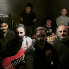 Acá los #electricosasesinos  nos preparamos para el show de este lunesssss! Los esperamos!  #17A  #electricosasesinos + #chicounicornio  en #thecavern @electricosasesi @chicounicornio @guzmanada @thecavernba @electricosasesi #instamusic #magic #alexistango #EA  #instagrammers #picoftheday #fotodeldia #daylife #buenosaires #argentina #joinnow #tt #ss #fbf #tbt #wcw #indierock #indiepop