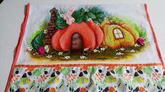 Toalha de louça casinha de abóbora...   https://www.facebook.com/catiartesnapk2014