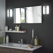 Valkoinen/kromattu AC-ledvalaisin Bela on IP44 luokiteltu valaisin kylpyhuoneeseen.  #Bela #Gripshop #kylpyhuone #kylpyhuonevalaisin #ledvalaisin #uutuus #foccobygrip Bathroom Medicine Cabinet, Bathroom Lighting, Led, Mirror, Furniture, Home Decor, Bathroom Light Fittings, Bathroom Vanity Lighting, Decoration Home