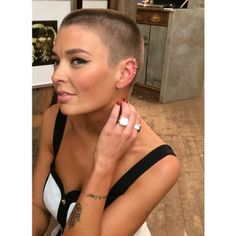 planetbuzzedgirls:  Thanks to @ag_star for shaving my head (again) & making me feel fierce with tons of makeup  love you  #vixen...