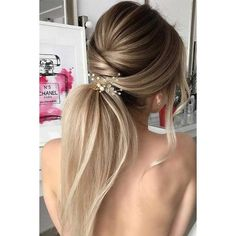 30 Super Cute Christmas Hairstyles for Long Hair ❤ liked on Polyvore featuring beauty products, haircare, hair styling tools, hair and hair styles