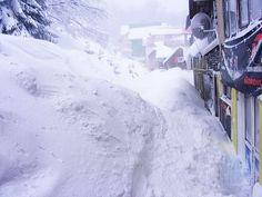 Iarna se întoarce! Meteorologii au emis o avertizare cod galben de ninsori şi viscol valabilă în toată ţara