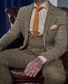 This is another favourite and very popular suit. the Marc Darcy Ted Tweed Herringbone Suit and this tie goes perfectly. MD Take a look at the full Suit: Click this Pin Tweed Wedding Suits, Black Suit Wedding, Beige Wedding, Tweed Suits, Mens Suits, Dream Wedding, Groom And Groomsmen Suits, Groomsmen Looks, Groom Attire