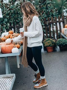 Casual Winter Outfits, Winter Outfits For Teen Girls, Casual Fall, Winter Boots Outfits, Snow Outfits For Women, Leggings Outfit Winter, Winter Fashion Casual, Cold Weather Outfits, Comfy Casual