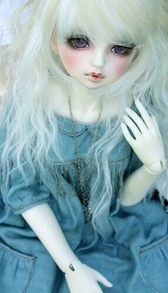 Doll with long white & blonde hair