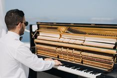 Create a memorable experience on your Wedding day with Piano Melodies!