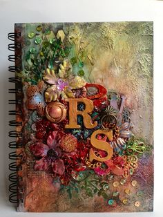 Unnamed mixed media and art journalling скрапбук, колл Altered Composition Books, Altered Books, Altered Art, Altered Tins, Mixed Media Journal, Mixed Media Canvas, Mixed Media Art, Kunstjournal Inspiration, Art Journal Inspiration