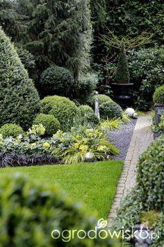 Organic gardening for healty food Back Gardens, Outdoor Gardens, Amazing Gardens, Beautiful Gardens, Vegetable Garden Design, Love Garden, Japan Design, Garden Fountains, Pergola Designs