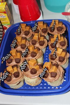 monster truck cupcakes Because my Marine is 5 and wants a monster truck cake Monster Truck Cupcakes, Monster Truck Birthday, Monster Trucks, Monster Jam, Boy Birthday Parties, 4th Birthday, Birthday Ideas, Truck Cakes, Food Truck Design