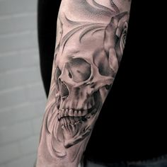 Black and gray skull. Artist @janissvars #blackandgray #blackngray #skull…
