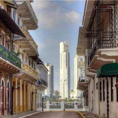 This way you can enjoy the old and the new Panama. I congratulate the magnificent photographer.....