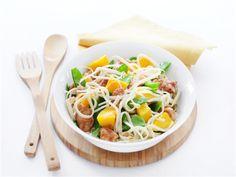 Oosterse kalkoensalade met mango