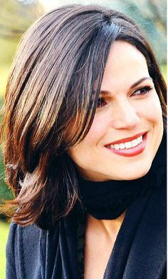 Photo of Lana Parrilla and her 2017 clean make up style, products & tips