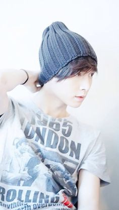 EXO's Lay : Such a talented singer, musician, and an amazingly beautiful dancer! I'm in love :)