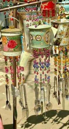 Salvaged tin cans for beautiful wind chimes - Diyprojectgardens.club - Salvaged tin cans for beautiful wind chimes - Salvaged tin cans for beautiful wind chimes - Diyprojectgardens.club - Salvaged tin cans for beautiful wind chimes - Tin Can Crafts, Crafts To Make, Fun Crafts, Arts And Crafts, Crafts With Tin Cans, Carillons Diy, Tin Can Art, Diy Wind Chimes, Outdoor Crafts