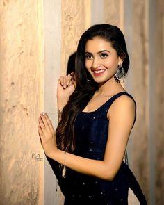 Teenage Girl Photography, Beautiful Blonde Girl, Insta Models, Stylish Girl Images, Beauty Full Girl, Indian Beauty Saree, Girls Image, Beautiful Indian Actress, Indian Actresses