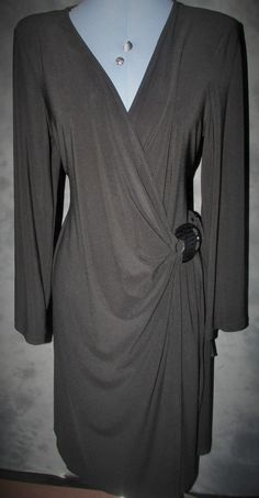 Ladies,size 18,black,no pattern,polyester,v neck,x over,long sleev,formal,Dress.