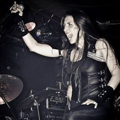 Brittney Slayes - Unleash the Archers Hard Rock, Female Wizard, Lita Ford, Metal Albums, Power Metal, Metal Girl, Trending Memes, Metalhead, Metal Bands