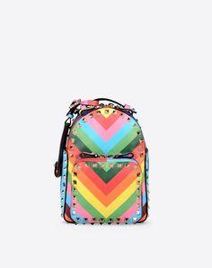 Bag handle,Logo detail,Metal Applications,Multicolor Pattern,Zip closure,Lined interior,External pockets,