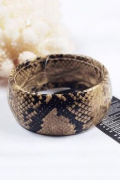 This bangle is crafted in PU, featuring snake skin printing to the main. Bangle Bracelets, Bangles, China Jewelry, Disney Jewelry, Wholesale Jewelry, Snake Skin, Decorative Bowls, Jewlery, Printing