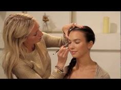 How to apply eyeliner pencil for a natural look
