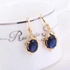 Do you want a jewelry to show personality? Are you searching for party earrings? This #CrystaDangleEarrings has crystal pendant which is elegant. Wearing it, you will be full of charming  http://www.tomtop.cc/RraMvi