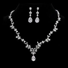 Belle Bridal l stunning crystals wedding jewelry set | Belle Bridal Jewellery l headpieces, jewelry, accessories shipping worldwide Bridal Jewelry Vintage, Wedding Jewelry Sets, Wedding Earrings, Bridal Accessories, Jewelry Accessories, Belle Bridal, Crystal Wedding, Bridesmaid Jewelry, Headpieces