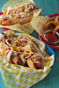 Peanut Butter Bacon Hot Dog - www.countrycleaver.com