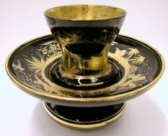 Trembleuse with Saucer to imitate Black Japanese lacquerware