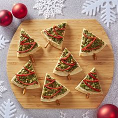 Wow everyone at your holiday gathering. Deck out your average pita and dip with this festive makeover.biz/JenGrimes, Jen Grimes, Independent Consultant with The Pampered Chef, Schaumburg, IL Christmas Treats, Holiday Treats, Holiday Recipes, Christmas Goodies, Christmas Recipes, Chef Shop, Pampered Chef Recipes, Holiday Appetizers, Winter Food