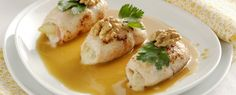 Chicken roulade with pears, blue cheese and walnuts